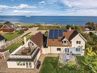 Amazing home in Frørup w/ Sauna, WiFi and 5 Bedrooms (G53500)