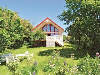 Amazing home in Lerberget w/ Sauna, WiFi and 3 Bedrooms
