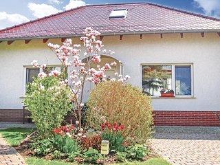 Beautiful home in Ahrensfelde/Blumberg w/ Sauna and 2 Bedrooms