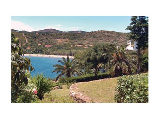 Awesome home in Sounio Attiki w/ 2 Bedrooms