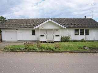 Amazing home in Åsljunga w/ Sauna and 5 Bedrooms