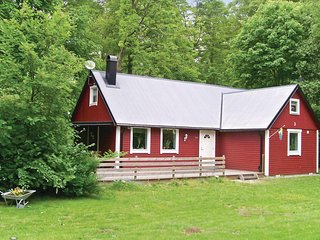 Beautiful home in Gärsnäs w/ 2 Bedrooms