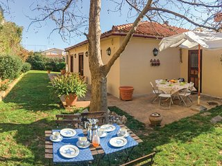 Stunning home in Neos Voutzas w/ WiFi and 4 Bedrooms