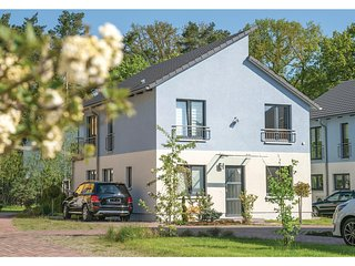 Awesome home in Berlin-Köpenick w/ Sauna and 3 Bedrooms