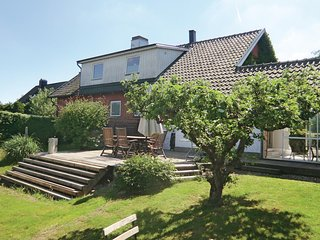 Amazing home in Helsingborg w/ WiFi and 4 Bedrooms