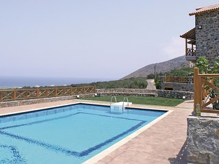 Nice home in Milatos, Lasithi w/ WiFi and 4 Bedrooms
