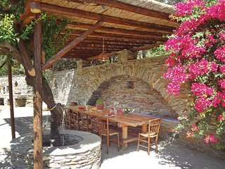 Beautiful home in Stenies Andros w/ WiFi and 4 Bedrooms