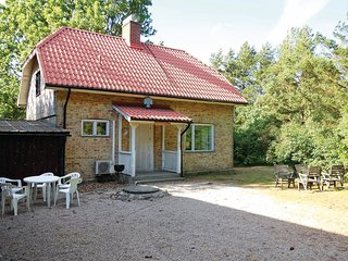Stunning home in Gärsnäs w/ 2 Bedrooms
