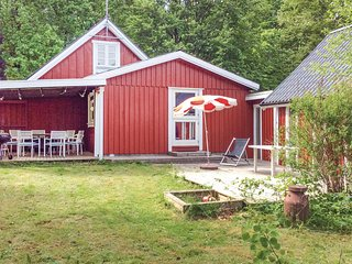 Stunning home in Skånes Fagerhult w/ WiFi and 4 Bedrooms