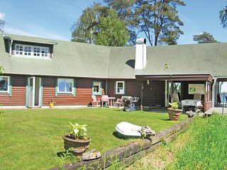Nice home in Skånes Fagerhult w/ WiFi and 4 Bedrooms