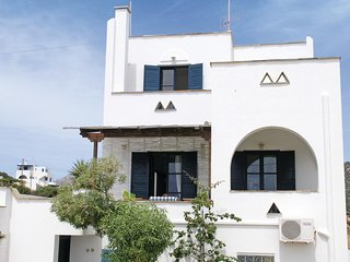 Stunning home in Agiasos Naxos Island w/ WiFi and 4 Bedrooms (GKN100)