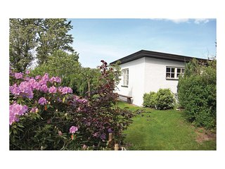 Stunning home in Halmstad w/ 1 Bedrooms
