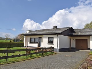 Beautiful home in Grosslangenfeld w/ 2 Bedrooms