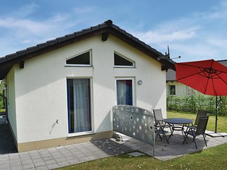 Nice home in Gerolstein/Hinterhaus. w/ WiFi and 2 Bedrooms (DEI107)