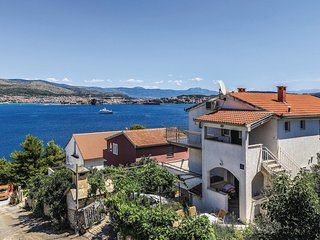 Stunning home in Okrug Donji w/ WiFi and 2 Bedrooms