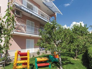 Awesome home in Podstrana w/ WiFi and 3 Bedrooms