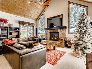 TurnKey - West Vail Gem - Private Patio w/ Hot Tub & Grill, Near Vail Village