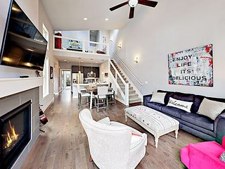 Brand-New 2BR Rendezvous Townhome w/ Patio & Bikes - Walk to Rec Center!