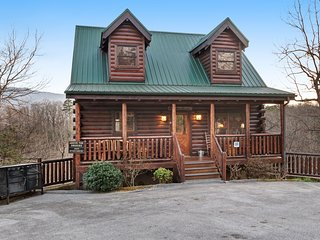 Mountain view cabin w/ private hot tub, game room, and shared pool!