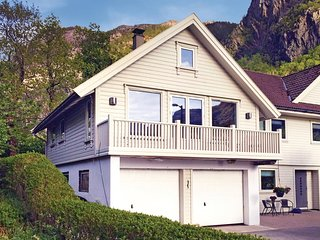Nice home in Dirdal w/ WiFi and 2 Bedrooms