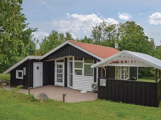 Awesome home in Føllenslev w/ 3 Bedrooms (F3017)