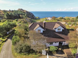 Beautiful home in Egersund w/ 3 Bedrooms