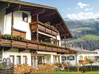 Amazing home in Aschau/Zillertal w/ WiFi and 2 Bedrooms