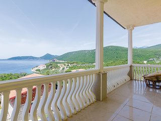 Stunning home in Herceg Novi w/ WiFi and 4 Bedrooms