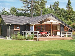 Amazing home in Fårevejle w/ WiFi and 3 Bedrooms (F3361)