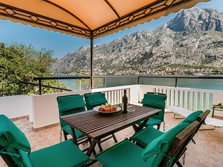 Nice home in Kotor w/ WiFi and 3 Bedrooms