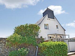 Nice home in Ladornac w/ 2 Bedrooms (FAD061)