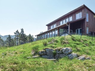 Nice home in Dirdal w/ Sauna, WiFi and 5 Bedrooms