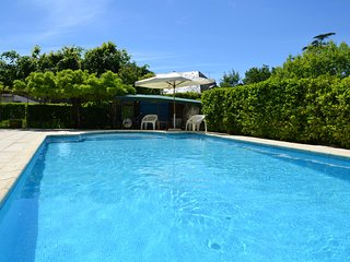 Nice home in Cenac-et-Saint-Julien w/ Outdoor swimming pool and 2 Bedrooms