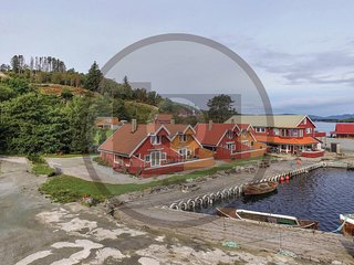 Amazing home in Sjernaroy w/ WiFi and 4 Bedrooms