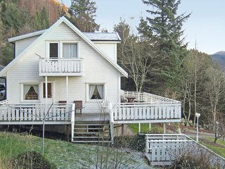 Beautiful home in Jørpeland w/ WiFi and 7 Bedrooms