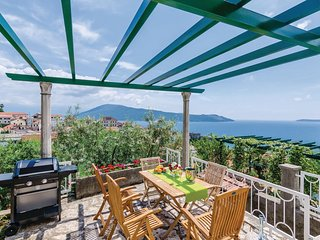 Stunning home in Herceg Novi w/ WiFi and 3 Bedrooms