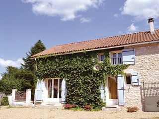 Stunning home in La Chapelle Faucher w/ WiFi and 2 Bedrooms (FAD079)