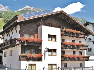 Amazing home in Pettneu am Arlberg w/ WiFi and 2 Bedrooms