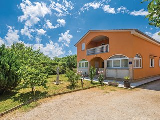 Nice home in Malinska w/ WiFi and 2 Bedrooms