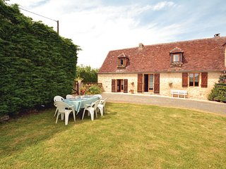 Beautiful home in La-Chapelle-Saint-Jean w/ 2 Bedrooms (FAD140)