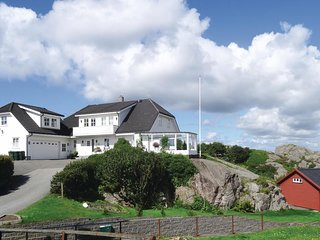 Nice home in Sirevåg w/ 4 Bedrooms
