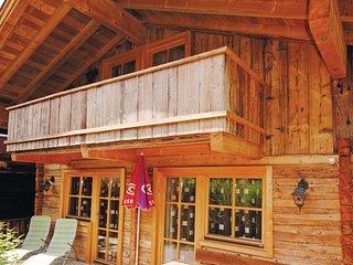 Centraalgelegen vakantiehuis in Tirolerstijl