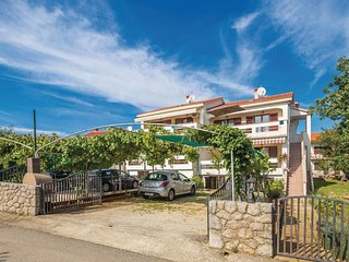 Beautiful home in Vantacici w/ WiFi and 2 Bedrooms