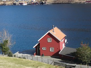 Nice home in Ølensvåg w/ 2 Bedrooms
