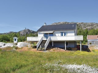 Amazing home in Hervik w/ WiFi and 4 Bedrooms