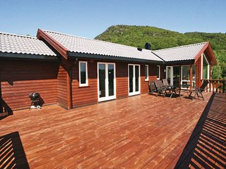 Beautiful home in Nedstrand w/ Sauna and 5 Bedrooms