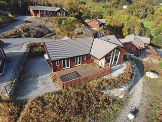 Amazing home in Nedstrand w/ Sauna and 5 Bedrooms