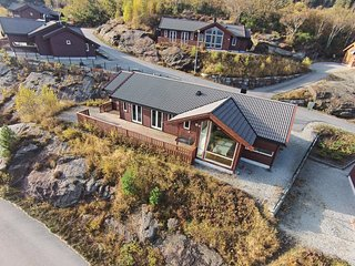 Stunning home in Nedstrand w/ Sauna and 5 Bedrooms