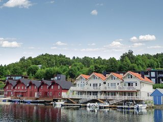 Stunning home in Valevåg w/ WiFi and 2 Bedrooms