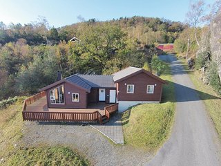 Awesome home in Nedstrand w/ Sauna and 4 Bedrooms